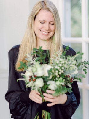 Amie Jackson holding a bouquet