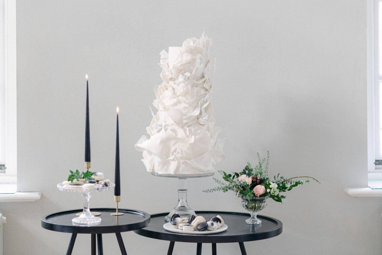 Best wedding cakes design London wedding cake - elegant wedding planner surrey